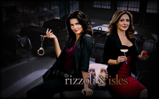 Rizzoli and Isles Logo 1