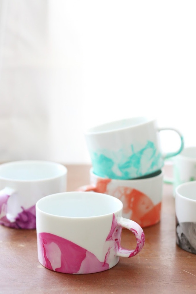 DIY Marbled Mugs 4