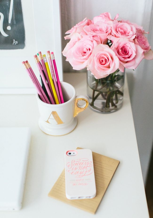 Aug - Tuesday Tips - Desk - Flowers