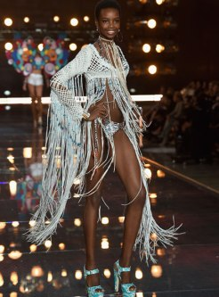 VS - 2015 - Boho Psychedelic - Maria Borges
